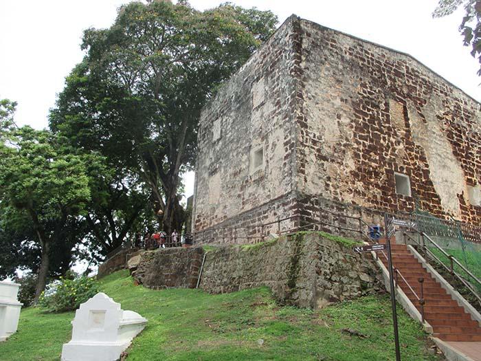 Fuerte-de-Melaka-Porta-de-Santiago-6